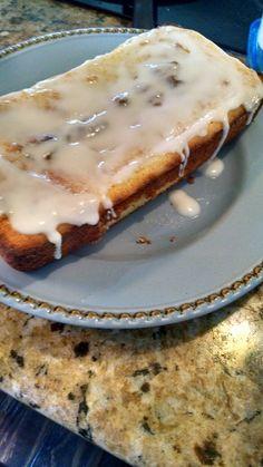 Lemon Cream Cheese Pound Cake - 1 1/4 c almond flour, 3/4 c granulated swerve, 1 tsp baking powder, 1/4 tsp salt, 4 eggs, 3 1/2 oz Cream Cheese, 4 Tbs butter, 1/2 tsp vanilla, 18 drops Lemon Essential Oil (or1/2 tsp lemon extract).Cream together butter and swerve, add cream cheese, then add eggs one at a time. Add vanilla and Lemon. Add all dry ingredients. Bake 30-40 mins at 350°.Glaze: 1/2 cup powdered swerve, 1 -2 tbp Almond milk, 6 drops Lemon oil.