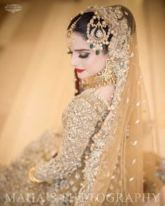Most women who love to wear braids want to have a tender and charismatic look than usual. Fortunately, many hair Pakistani Bridal Makeup, Pakistani Bridal Dresses, Bridal Lehenga, Indian Bridal, Walima Dress, Shadi Dresses, Eid Dresses, Desi Wedding, Wedding Wear