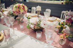 #Allestimento tavola per #pranzo di #nozze. #Candele, #fiori, #cristalli. #bellissimo #villalagorio #matrimonio.