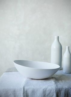 Petrina Tinslay is a Sydney based commercial photographer specialising in food photography,interiors photography, and travel photography. Wabi Sabi, Ceramic Pottery, Ceramic Art, Decorative Objects, Decorative Bowls, Tablecloth, Still Life Photography, Food Photography, Shades Of White