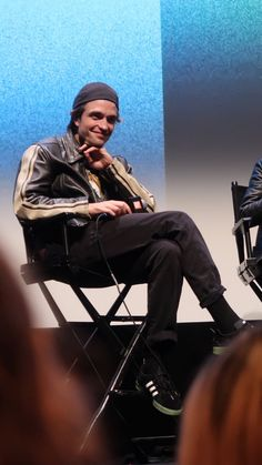 See related links to what you are looking for. King Robert, Robert Douglas, Robert Pattinson, Beautiful Boys, Pretty Boys, Film Director, Lady And Gentlemen, Actors & Actresses, Persona