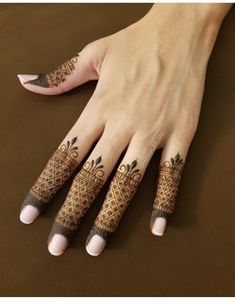 Henna for hands. Simple Mehndi Designs Fingers, Pretty Henna Designs, Finger Henna Designs, Indian Mehndi Designs, Henna Art Designs, Mehndi Designs For Girls, Mehndi Designs For Beginners, Modern Mehndi Designs, Mehndi Design Pictures