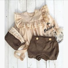 264 Likes, 13 Comments - Children& clothes mentions J'aime, 13 commentaires - Vêtements Enfants / Familylook ( o .ruffle top, bonnet, and bubble shortsPin by Louella Palero on baby girl& closet Baby Girl Dresses, Baby Dress, Little Girl Fashion, Kids Fashion, Toddler Outfits, Boy Outfits, Baby Girl Closet, Baby Kids Clothes, Baby Sewing