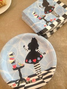 Alice in Wonderland Plates and Napkins