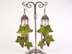 """Boucles d'oreille """"Feuilles de lierre"""" en porcelaine froide (modèle n°2) : Boucles d'oreille par artmor-bijoux"""