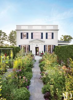 5 Easy Home Improvements That Add Instant Curb Appeal • HOMES + DECOR 5 Easy Home Improvements That Add Instant Curb Appeal  Guarantee a good first impression—and increase your home's property value—with these simple tips for sprucing up your exterior  TEXT BY  JENNIFER FERNANDEZ Posted July 4, 2016 white-houses-01.jpg Photo: Pieter Estersohn It is a truth universally acknowledged—by real-estate brokers and home improvement sites alike—that anyone looking to increase the property value