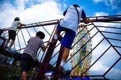静岡県裾野市須山藤原にあるGrinpaぐりんぱは富士山のふもとにあるテーマパークで親子そろって楽しめる新感覚アスレチックピカソのタマゴが大人気です  他にも男の子に人気のM78ウルトラマンパーク女の子に人気のシルバニアビレッジ1000アイテム以上のおもちゃで遊べる屋内型おもちゃプレイゾーンキッズフジQもあります 冬は雪ソリで訪れる家族連れも多いですよ  tags[静岡県]