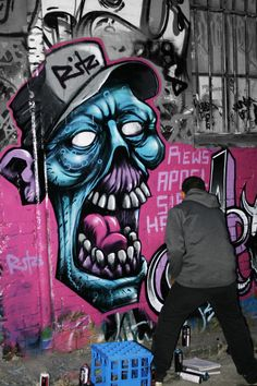 I love seeing graffiti artists at work. You rarely get to see that. Sweet zombie… I love seeing graffiti artists at work. You rarely get to see that. Grafitti Street, 3d Street Art, Street Artists, Graffiti Artwork, Graffiti Wallpaper, Graffiti Artists, Graffiti Painting, Graffiti Lettering, Graffiti Images