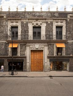 A 17th Century Colonial Palace Is Transformed Into The Downtown Hotel And Hostel In Mexico City