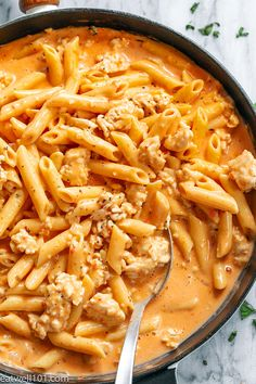 Creamy Chicken Pasta – So creamy and so comforting! This chicken and pasta skillet will be on your dinner table all week long! It is incredibly easy to make and has a ton of flavor, so it's p… Read more. Creamy Chicken Pasta, Chicken Pasta Recipes, Recipe Chicken, Chicken Soup, Best Soup Recipes, Dinner Recipes, Healthy Recipes, Meat Recipes, Healthy Meals