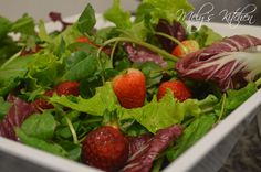 Mixed Greens with Strawberry and Radicchio - Mely's kitchen