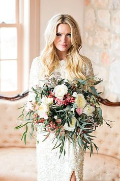 Winter bridal bouquet | Callie Hobbs Photography | see more on: http://burnettsboards.com/2015/01/glamorous-fun-wedding-inspiration/