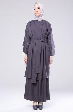 Batik Fashion, Abaya Fashion, Modest Fashion, Muslim Long Dress, Moslem Fashion, Hijab Style Dress, Model Outfits, Mode Hijab, Modest Dresses