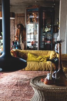 9 Astonishing Ideas: Western Home Decor Crafts vintage home decor art.Home Decor Entryway Front Porches boho home decor lights.European Home Decor Car Garage. Decor, Home, Teal Bathroom Decor, House Interior, Home Deco, Dark Interiors, Interior Design Living Room, Hotel Decor, Western Home Decor