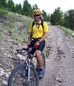 Beginner's guide to mountain biking. Helpful advice on learning to cycle on single track trails. Buying guide to the bike, helmet, clothes, shoes, and more. Mountain Bike Gloves, Mountain Biking, Mtb, Bicycle, Bike, Bicycle Kick, Bicycles