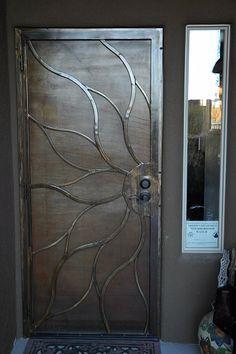Not ur average, ugly screen door! Cool Doors, Unique Doors, Gate Design, Door Design, Design Design, Metal Screen Doors, Security Screen, Iron Gates, Steel Doors