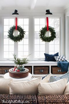Classic Red Christmas Tour | The Lilypad Cottage