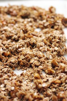 A deeply flavorful and crunchy breakfast granola made from roasted walnut oil, maple syrup and lots of cinnamon. Vegan and Gluten Free.