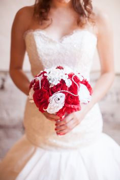 red and white bouquet // photo by Erin Forehand // view more: http://ruffledblog.com/red-and-white-wedding-ideas/