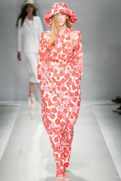 Max Mara Spring 2015 Ready-to-Wear - Collection - Gallery - Look 1 - Style.com