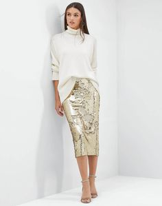 Cashmere Relaxed Long Sleeve Pullover and sequin skirt Sequin Skirt Outfit, Skirt Outfits, Women's Summer Fashion, Autumn Fashion, Ankara Long Gown Styles, Evening Outfits, Classy Outfits, Bar Outfits, Vegas Outfits