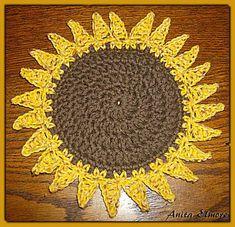 really cute sunflower potholder (free pattern @ ravelry)