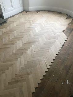 Hall Flooring, Solid Wood Flooring, Parquet Flooring, Floors, Victorian Home Decor, Victorian Homes, Pose Parquet, Wood Floor Design, Herringbone Wood Floor