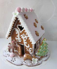 Mansikkamäki: Piparkakkutyöt #gingerbreadhouse