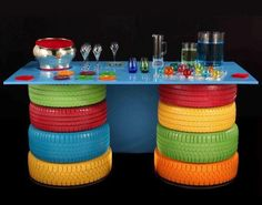 Charming DIY Idea Reuse Old Tires (tire table)(for kids or outdoors or buffet) Ways To Recycle, Reuse Recycle, Tire Table, Patio Table, Tire Chairs, Lego Table, Dining Table, Door Table, Garden Table