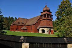 Najväčšia drevená stavba v strednej Európe sa nachádza na Slovensku v obci Svätý Kríž | interez.sk