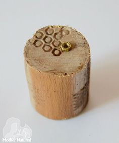 DIY wooden texture stamps for kidsDIY wooden texture stamps for kids Kids Nature Crafts: DIY wooden Texture Stamps - Easy to make! Diyprojects diyideas diyinspiration diycrafts diytutorial 4 cool DIY stamp ideas that you can Clay Stamps, Kids Stamps, Stamp Printing, Printing On Fabric, Cool Diy, Clay Crafts, Wood Crafts, Felt Crafts, Fabric Crafts