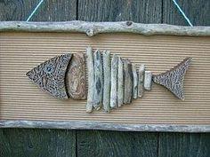 tableau poisson (sauvage) en carton, dentelle et bois flotté