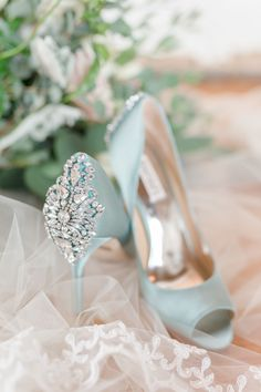 Something blue embellished heels | Photography: Susan Elizabeth #weddingshoes