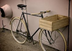 Sick old school basket. Great bamboo wooden accents.