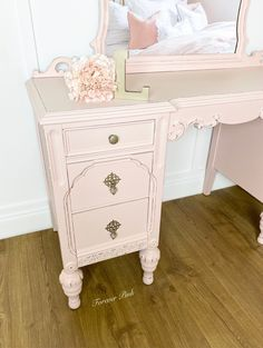 Exclusive Color - Forever Pink — Two Old Souls Shades Of White, Shades Of Green, Paint Line, Old Soul, Yellow Painting, Country Chic, Vintage Pink, Interior And Exterior, Painted Furniture