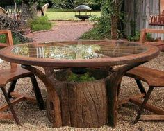 10 Great Things to Do with Tree Stumps in the Garden - Outdoor Garden Table - Design Rattan Furniture Tree Stump Coffee Table, Garden Coffee Table, Garden Table, Garden Chairs, Balcony Garden, Coffee Tables, Lake Garden, Garden Gazebo, Garden Furniture Design