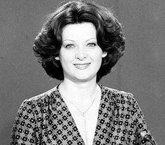 Kertész Zsuzsa bemondónő Tv On The Radio, Childhood Memories, Famous People, Portrait, Celebrities, Celebs, Men Portrait, Portrait Illustration, Foreign Celebrities