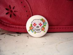 "Items similar to Embroidery brooch ""Mexican skull (M)"" on Etsy Tiny Cross Stitch, Cross Stitch Designs, Cross Stitch Patterns, Hand Embroidery Designs, Embroidery Art, Cross Stitch Embroidery, Stitch Witchery, Mexican Skulls, Crochet Cross"