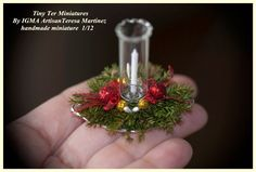 Tiny Ter Miniatures // Christmas Candle by Teresa Martínez-IGMA artisan Dollhouse Miniature Tutorials, Miniature Crafts, Miniature Christmas, Christmas Minis, Miniature Houses, Miniature Dolls, Christmas Crafts, Christmas Snowman, Christmas Trees