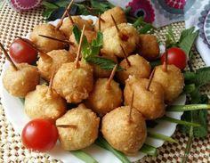 Закусочные помидорки в кляре. Ингредиенты: помидоры черри, растительное масло для жарки, яйца куриные