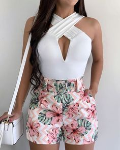Crop Top Outfits, Cute Casual Outfits, Short Outfits, Chic Outfits, Summer Outfits, Mens White Dress Shirt, White Pants, Stylish Tops, Mode Inspiration