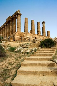 @21Lollipops4Me One of the most amazing places in the world is Agrigento, in Sicilia, Italy