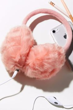 21 Headphones That Are Freaking Adorable- 21 Headphones That Are Freaking Adorab. 21 Headphones That Are Freaking Adorable- 21 Headphones That Are Freaking Adorable Free People Earmuff Headphones -# Cute Headphones, Accesorios Casual, Accessoires Iphone, Things To Buy, Stuff To Buy, Earmuffs, Ear Warmers, Cute Jewelry, Ideias Fashion