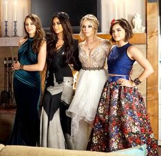 Image from http://assets-s3.usmagazine.com/uploads/assets/articles/90389-pretty-little-liars-prom-dresses-behind-the-scenes-photos/1438698910_pretty-little-liars-prom-zoom.jpg.
