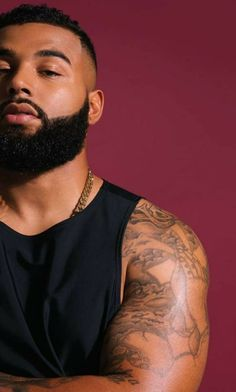 We make and deliver everything you need to maintain and grow a beard. From beard oil, balm, combs to beard growth products, grooming kits and gift sets. Fine Black Men, Gorgeous Black Men, Handsome Black Men, Fine Men, Beautiful Men, Black Men Hair, Dark Man, Black Men Beards, Beard Game