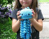 Jellyfish Crochet Toy, Hanging Jelly Fish, Sea Creature, Stuffed Animal, kids Plush Toy, Ocean animals, Fish, Beach theme, Nursery Decor