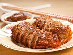 La receta que te proponemos hoy es fácil de hacer, muy nutritivo, y está deliciosa: rollo de carne picada en salsa. Tienes que probarla, te va a encantar.