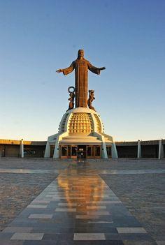 """El Cristo Rey de la Montaña…Guanajuato      """"CONSUELO DE LOS QUE SUFREN.ADORASION DELA JENTE EL CRISTO DE MI MONTANA DELCERRO DEL CUBILETE."""""""
