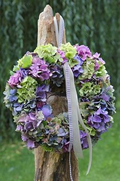Hortensienkranz                                                                                                                                                                                 Mehr Welcome Wreath, Fall Flowers, Dried Flowers, Wedding Flowers, Hydrangea Wreath, Floral Wreath, Wreaths For Front Door, Door Wreaths, Fall Home Decor