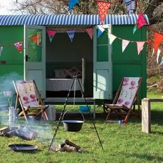 I just love the idea of a backyard caravan to renovate into a guest room